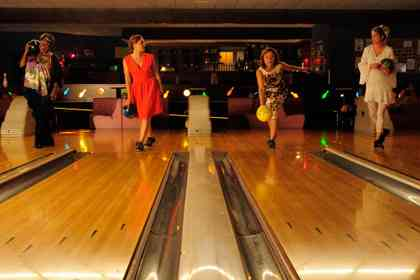 Bowling - Picture 6