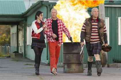 Red 2 - Picture 1