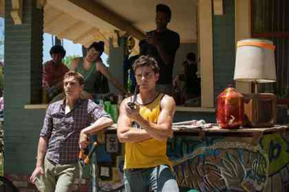 Bad Neighbours - Picture 4