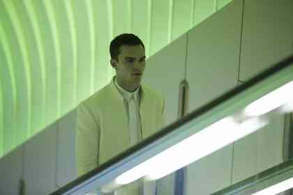 Equals - Picture 8