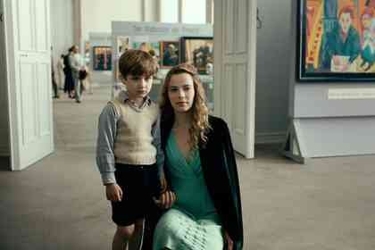 Never Look Away - Picture 4