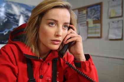 6 Below : Miracle on the Mountain - Picture 3
