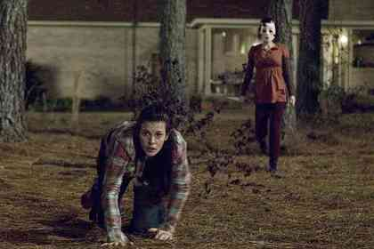 The Strangers - Picture 2
