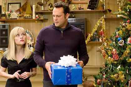 Four Christmases - Picture 1