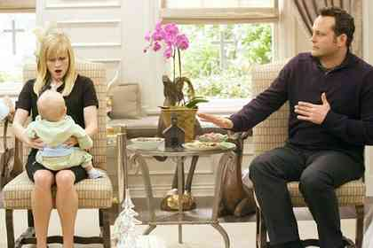 Four Christmases - Picture 3