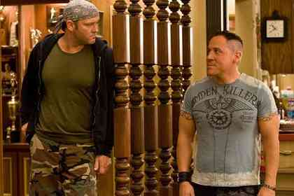 Four Christmases - Picture 4