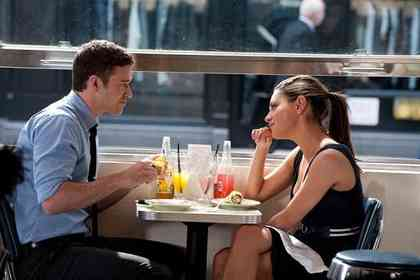 Friends With Benefits - Picture 3