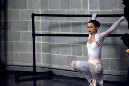 Black Swan - Picture 13