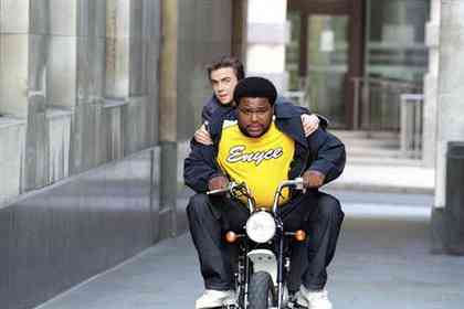 Agent Cody Banks 2 - Picture 1