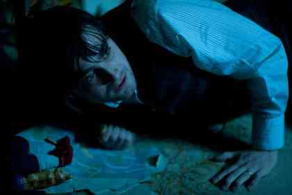 The Woman in Black - Picture 3
