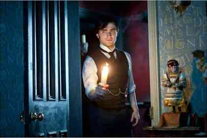 The Woman in Black - Picture 4