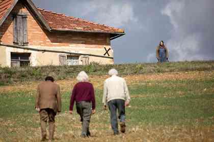Les Vieux Fourneaux - Photo 3