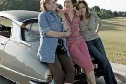 Thelma, Louise et Chantal - Photo 1