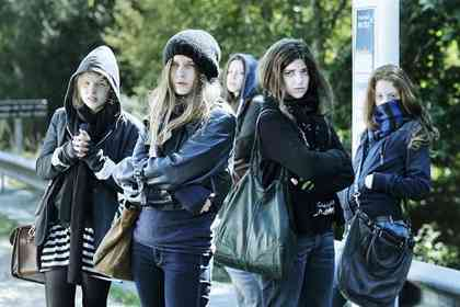 17 filles - Photo 1