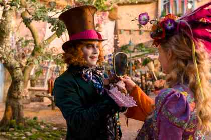 Alice Through the Looking Glass - Foto 4