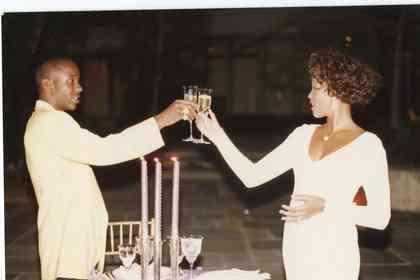 Whitney - Foto 1