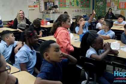 Happy, la méditation à l'école - Foto 1
