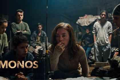 Monos - Foto 1