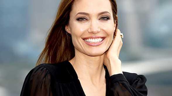 Angelina Jolie va réaliser un film sur les Khmers Rouges pour Netflix - Actu