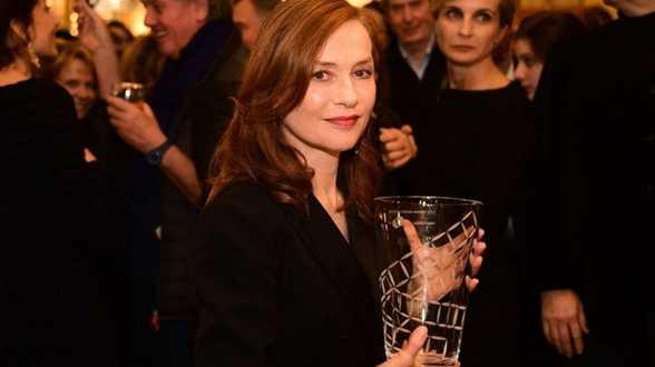 Après les Golden Globes, Isabelle Huppert à nouveau récompensée - Actu