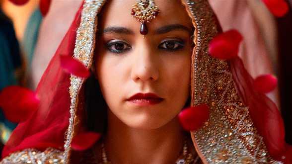 Noces de Stephan Streker, Tragédie moderne sur une jeune belgo-pakistanaise écartelée entre les traditions et sa propre vie - En salle le 8 mars - Critique