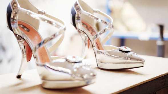 Louboutin va vendre aux enchères des chaussures inspirées de Star Wars - Actu
