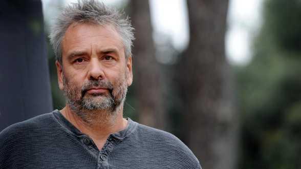 Violences sexuelles: plusieurs femmes témoignent contre le réalisateur Luc Besson - Actu