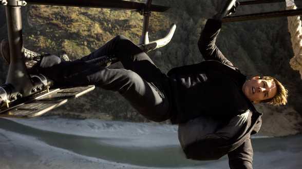 Mission Impossible: Tom Cruise au sommet! - Actu