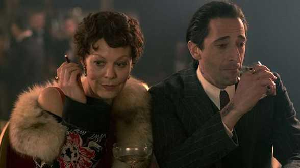 Les acteurs de 'Peaky Blinders' fument leur rôle - Actu