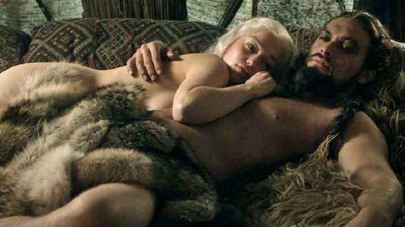 Emilia Clarke regrette sa nudité dans Game of Thrones - Actu