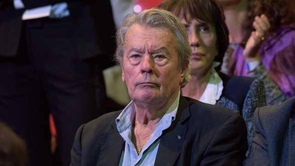 Audience en décembre pour le fils d'Alain Delon - Actu