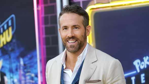 L'acteur Ryan Reynolds se moque dans une pub d'une pub controversée - Actu