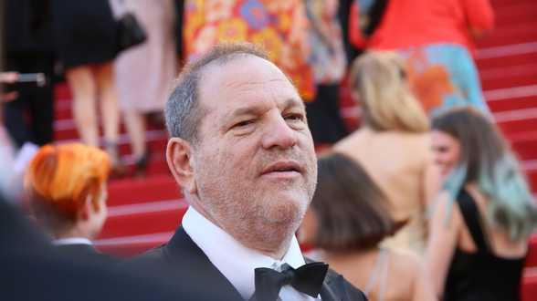 Weinstein se décrit comme pionnier de la promotion des femmes à Hollywood - Actu