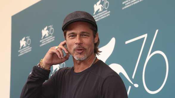 Brad Pitt ose une blague sur le prince Harry - Actu