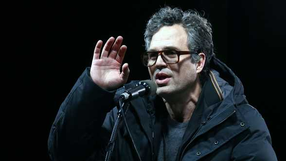 Mark Ruffalo milite à Bruxelles contre la pollution chimique - Actu