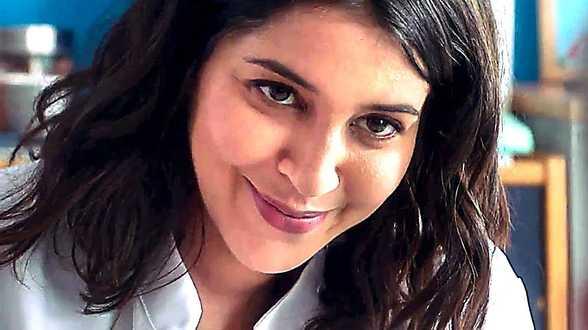 Leïla Bekhti profite du confinement pour balancer des photos dossiers sur ses amis - Actu