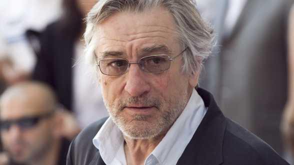 Robert De Niro et des célébrités dans une campagne pour le port du masque - Actu