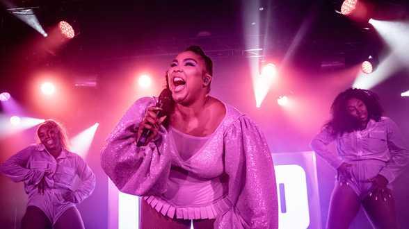 La chanteuse Lizzo va créer des séries pour Amazon Prime Video - Actu