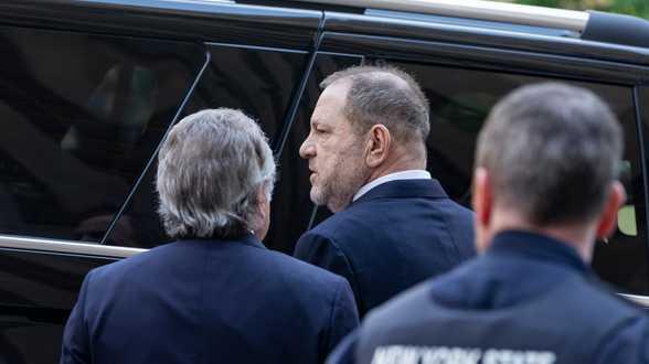 Harvey Weinstein doit rendre la décoration reçue de la reine Elizabeth - Actu