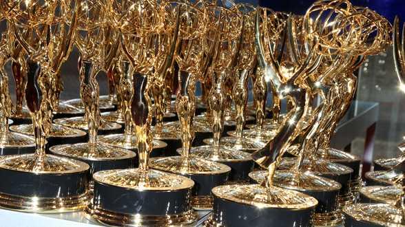 Succession sacrée meilleure série dramatique aux 72e Emmy Awards - Actu