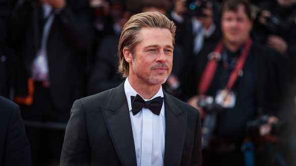 Brad Pitt poursuivi en justice - Actu