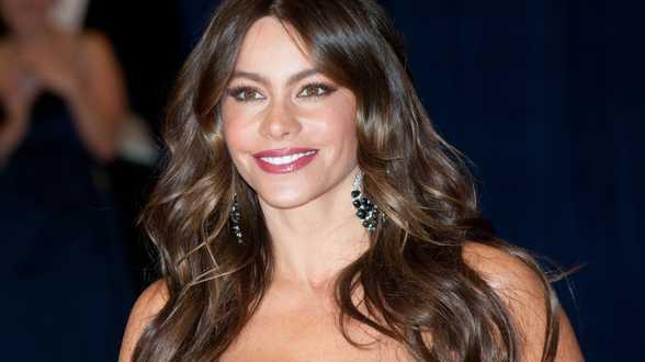 Sofia Vergara jouera Zorro dans un remake de la série culte - Actu