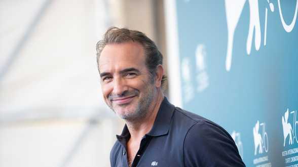 Jean Dujardin va jouer dans un film sur les attentats du 13 novembre 2015 en France - Actu
