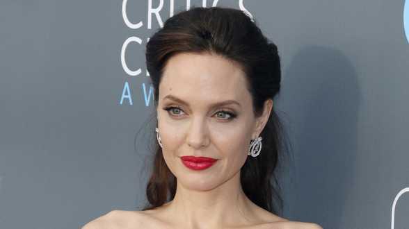 L'actrice américaine Angelina Jolie soutient des réfugiés maliens au Burkina - Actu