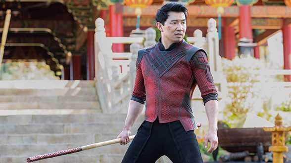 Nouveau dérapage de Disney - Shang Chi 'sera une expérience intéressante' - la star Simu Liu répond. - Actu