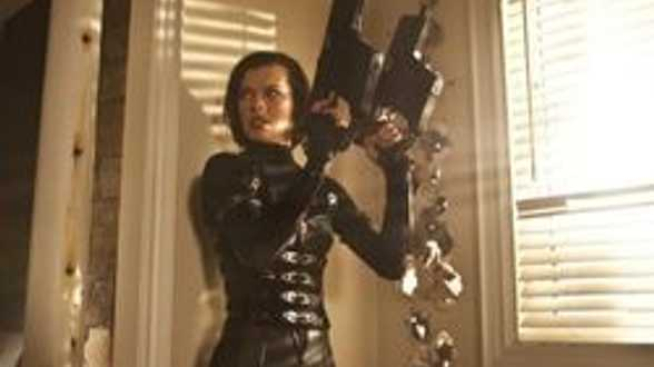 Milla Jovovich bientôt 'Expendables'? - Actu