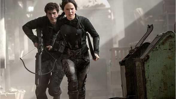 The Hunger Games: Mockingjay - Part 1: tijd voor het ernstige werk - Bespreking