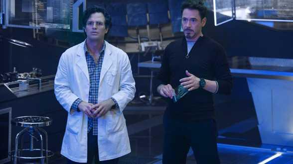 Avengers : Age of Ultron : Josh Whedon doet alles weer knallen ! - Bespreking