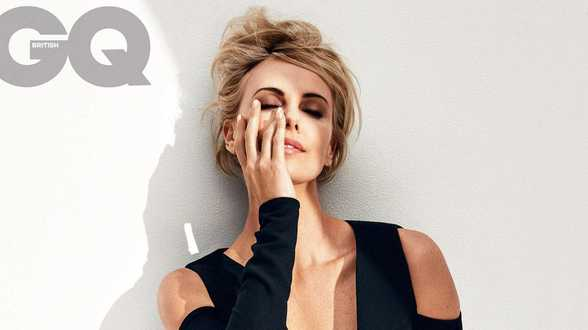 Charlize Theron woedend over het schoonheidsideaal van Hollywood - Actueel