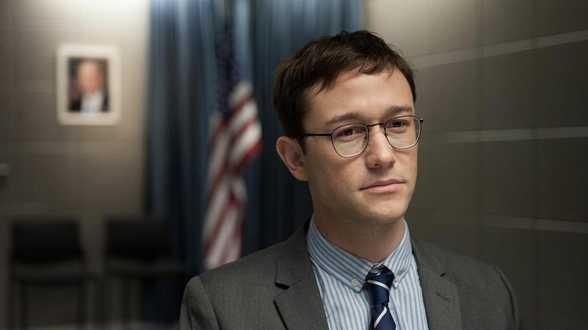 Snowden: Oliver Stone, een vastberaden geëngageerde regisseur - Dossier